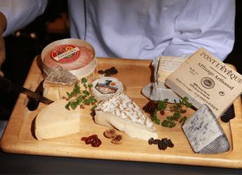 写真: フランス ナチュラルチーズ盛り合わせ